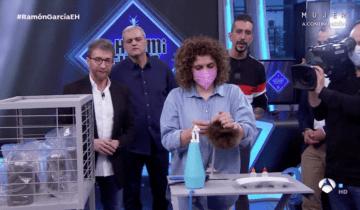 Muñecas Arias participa en el programa de televisión El Hormiguero 3.0.